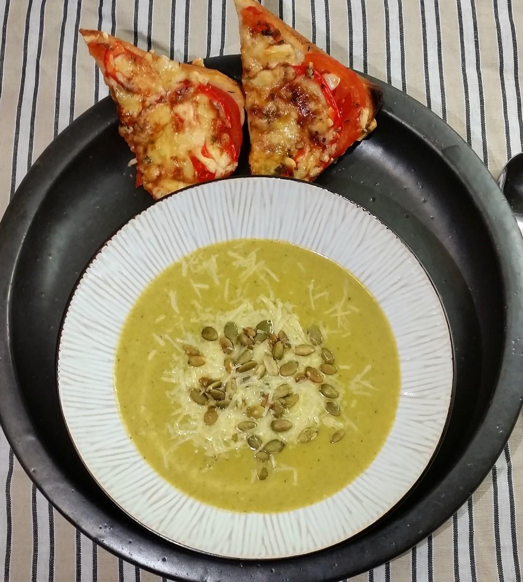 Krämig potatis- och purjolökssoppa med broccoli (4 port/ 30 min)