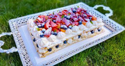 Sommartårta/ Midsommartårta 12-14 portioner, 1,5-2 h